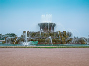 Chicago Fountain Prints - Buckingham Fountain Chicago Print by Gary James