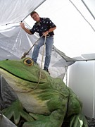 Amphibians Sculptures - Bullfrog Monumental Statue by Chris Dixon