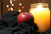 Teresa Thomas - Candle Apple