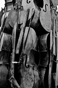 Violin Digital Art - Cellos 6 Black And White by Rob Hans