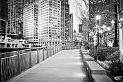 Riverwalk Photo Prints - Chicago Downtown City Riverwalk Print by Paul Velgos