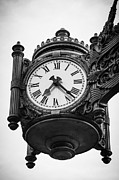 Green And White Framed Prints - Chicago Macys Marshall Fields Clock in Black and White Framed Print by Paul Velgos