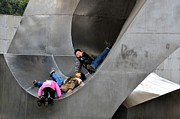 Installation Art Art - Chinese kids play in outdoor metal sculpture Shanghai China by Imran Ahmed