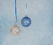 Christmas Elegance Print by Kim Hojnacki