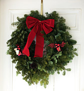 Red Bow Prints - Christmas Wreath Print by John Rizzuto