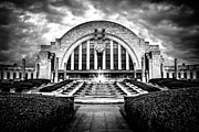 Cincinnati Framed Prints - Cincinnati Museum Center Black and White Picture Framed Print by Paul Velgos