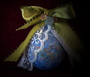 Handcrafted Art - Classic Ornament in Blue by Jackie Bodnar