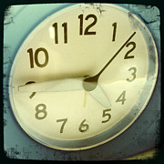 Aged Photo Photos - Clock face by Les Cunliffe