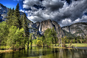 Shawn Everhart - Cloudy Day in Yosemite