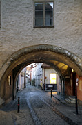 Mystifying Photos - Cobblestone and Arcade by La di  Kirn