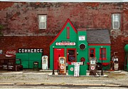 Mother Road Framed Prints - Conoco Station On Route 66 Framed Print by Mel Steinhauer