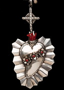 Religious Jewelry Prints - Corazon de Amor y Fe Print by Gregory Segura
