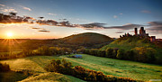 Simon Bratt Photography - Corfe Castle sunrise...