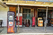 Savannah Gibbs - Country Store Mobilgas