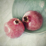 Pomegranate Prints - Cuddling Print by Priska Wettstein