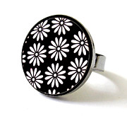 Black Ring Jewelry Originals - Daisies In Black And White Ring by Rony Bank
