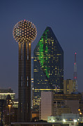 Dallas Skyline Metal Prints - Dallas Skyline Images 612-2 - Reunion Tower and Fountain Place Metal Print by Rob Greebon