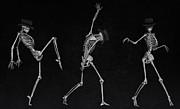 Liam Liberty - Dancing Skeletons