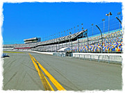 Grandstands Framed Prints - Daytona 500 Framed Print by Carl Clay