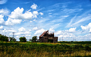 Decaying Digital Art Prints - Decaying Illinois Barn Print by Thomas Woolworth