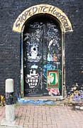 Colin Hogan - Decorated Door - ref 5241