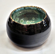 Background Ceramics - Deep Porcelian Bowl by Neltje Vos