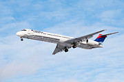 Airlines Framed Prints - Delta Air Lines McDonnell Douglas MD-88 Airplane Landing Framed Print by Paul Velgos