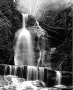Dingmans Falls Photos - Dingmans Falls by Amy Denehy Kapost