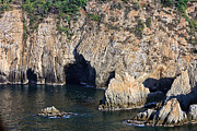Acapulco Photos - Diving Cliff in Acapulco Mexico by Linda Phelps