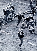 Nfl Sports Prints - Don Hutson in action Print by Sanely Great
