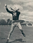 Nfl Photo Prints - Don Hutson Poster Print by Sanely Great