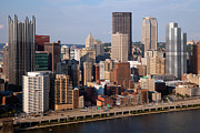 Downtown Skyline Of Pittsburgh Pennsylvania Print by Bill Cobb