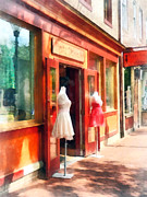 Dress Shop Fells Point Md Print by Susan Savad
