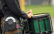 Bagpipers Framed Prints - Drum in waiting Framed Print by Roland Stanke