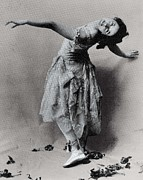 Ballet Dancers Photo Prints - Duncan, Isadora 1878-1927. © Print by Everett