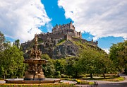 Edinburgh Art - Edinburgh Castle from the Gardens by Max Blinkhorn