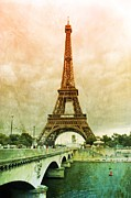 Paris Metal Prints - Eiffel Tower Mood Metal Print by Carol Groenen