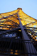 Romance Prints - Eiffel Tower - Paris France - 01133 Print by DC Photographer