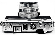 Rangefinder Photos - Electro 35 by John Rizzuto
