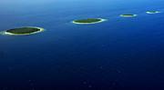Jenny Rainbow - Emerald Chain. Maldivian Islands in Row