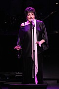 Front Row  Photographs  - Entertainer Liza Minelli