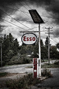 Jerry Fornarotto - Esso Sign and Pump