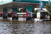 Season Photo Framed Prints - Flooding of stores and shops in Bangkok Thailand - 01135 Framed Print by DC Photographer