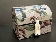 ChelsyLotze International Studio - Floral Box