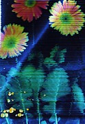 Anne-Elizabeth Whiteway - Flowers and Leaves Vibrating at Night