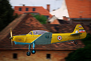 Jet Star Photo Metal Prints - Flying low Metal Print by Ivan Slosar