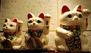 Beckoning Prints - Fortune cat  Print by Zulfiya Stromberg