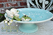 White Flower Ceramics - Freebee by Amanda  Sanford