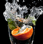 Simon Bratt Photography - Fruit drop with big...