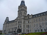 Full View Of Quebec's Parliament Building Print by Lingfai Leung